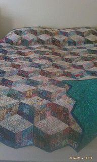 @Cindy Wagner isn't this neat!  Diamond Tumbling Cubes quilt by Sewfrench, via Flickr