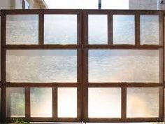 Where can I buy translucent walls / fence locally? Privacy Screen Outdoor, Privacy Panels, Privacy Fences, Country Fences, Garden Screening, Privacy Landscaping, Glass Fence, Fenced In Yard