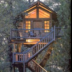 I love tree houses.