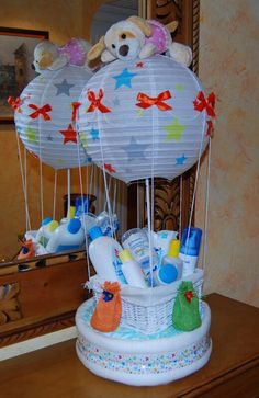 61 Ideas baby shower balloons ideas diaper cakes for 2019 Regalo Baby Shower, Baby Shower Baskets, Baby Shower Crafts, Baby Baskets, Baby Shower Diapers, Baby Crafts, Baby Shower Parties, Baby Shower Themes, Baby Boy Shower