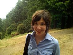 Carrie Brownstein - Her hair looks great even when un-done!