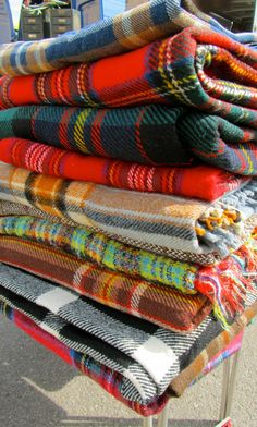 lovely vintage blankets for those chilly summer nights in blighty! (this is a test post as it seems Virgin have fixed me, can you see these...