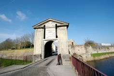 Gate of Cassel, Bergues - Sint-Winoksbergen - Wikipedia