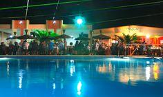 La #piscina in versione notturna