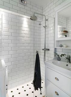 Metro Tiles, Duplex, Bathroom Inspiration, Small Bathroom, Decoration, Sweet Home, Bathtub, Interior Design, Home Decor
