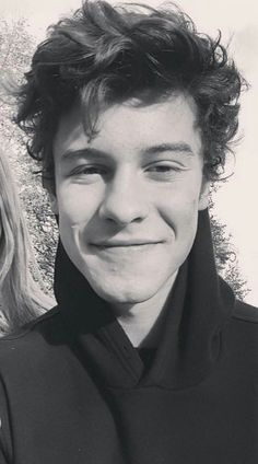 Shawn today in London 11/10/17 hair
