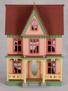 """1996 """"Victorian Painted Lady"""" Hallmark Nostalgic Houses & Shops #13 In Series"""