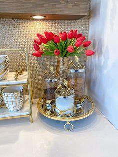 Coffee Station Kitchen, Coffee Bar Home, Coffe Bar, Coffee Tables, Glam Living Room, Living Room Decor Cozy, Bedroom Decor, Gold Circle Mirror, Perfume Display