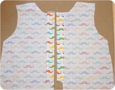 Today I have a FREE baby romper pattern to share with you! This button-up baby romper pattern gives you the polished look of a collared shirt but it's still cool and comfy for baby to wear This Boys Sewing Patterns, Baby Girl Patterns, Baby Clothes Patterns, Baby Romper Pattern Free, Free Pattern, Sewing Baby Clothes, Babies Clothes, Rompers For Kids, Baby Rompers