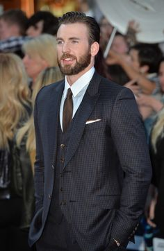 """Chris Evans Photos Photos - Chris Evans attends """"The Avengers: Age Of Ultron"""" European premiere at Westfield London on April 21, 2015 in London, England. - 'The Avengers: Age Of Ultron' - European Premiere - Red Carpet Arrivals"""