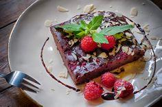 Tarta czekoladowa z malinami  #Werandacafee #sweet #pojdziewboczki #pycha