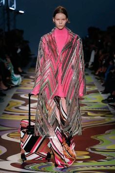 http://www.vogue.com/fashion-shows/fall-2017-ready-to-wear/emilio-pucci/slideshow/collection
