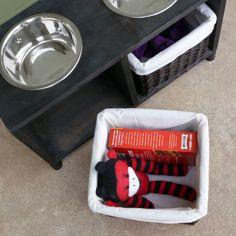 DIY Pets: dog feeding station