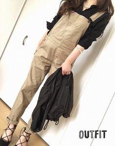 夏のトレンド先取り!サロペットで叶える大人女子コーデ♡ in 2020 Jumper Outfit, Fashion Beauty, Womens Fashion, Japan Fashion, Street Chic, Spring Summer Fashion, Harem Pants, Overalls, Fashion Dresses
