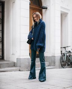chunky knit ganni leather flare pants by malene birger. - Fall-Winter 2017 - 2018 Street Style Fashion Looks Looks Street Style, Looks Style, Stylish Outfits, Winter Outfits, Summer Outfits, Mode Dope, Look Fashion, Fashion Outfits, Fall Fashion