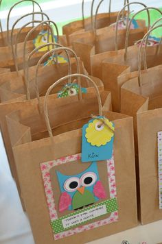 For homemade party bags in any design Owl Themed Parties, Owl Parties, Owl Birthday Parties, Party Gift Bags, Party Gifts, Craft Gifts, First Birthdays, Owl Bags, Brown Paper