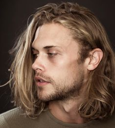 Surfer Blonde Streaks Mens Hair Color You are in the right place about DIY Hair Color boy Here we of Mens Hair Colour, Hair Color, Chris Mason, Dream Cast, Blonde Streaks, Color Streaks, Long Blond, Blonde Guys, Surfer
