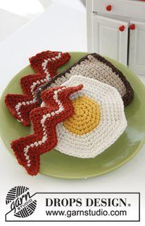 """Hæklet DROPS brød med æg og bacon i """"Paris"""" ~ DROPS Design"""