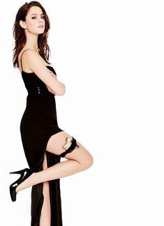 Celebrity Leg Show: Kaya Scodelario