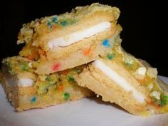 dirty blondes: sugar cookie dough, golden oreos and funfetti cake on top.