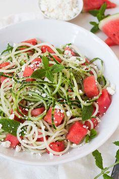Pasta ohne Kohlenhydrate? Oh JA! Gemüsenudeln sind gesund, sättigend und richtig lecker. Mit diesen Rezepten kochst du dich satt und glücklich!