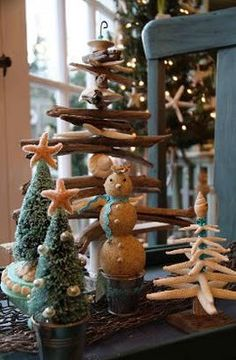 Coastal Christmas - ok hours of sites and links to explore - seahorse tree skirt - mermaid ornaments, seashore picture ornaments - tons of ideas