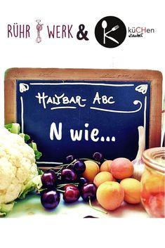 """Aus saisonalem Anlass, weil der Kürbis eher zum zickigen Gemüse gehört gibt es heute im Haltbar-ABC von @ruehrwerk und @kuechenzauber.ch diesen Artikel: Welche Lebensmittel das sonst noch sind, erfährst du auf unseren Webseiten www.ruehr-werk.ch und www.kuechen-zauber.ch im Haltbar-ABC. Das Haltbar-ABC ist eine Initiative von küCHenzauber und Rühr-Werk mit dem Ziel, einfach und verständlich die wichtigsten und sicheren Regeln zum Thema """"Haltbar machen"""" zusammenzufassen. #haltbarabc #kürbis"""