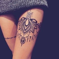 Women& tattoo: ideas for finding the perfect tattoo .- Women's Tattoo: Ideen für die Suche nach dem perfekten Tattoo – # ofWomen's # … – Bilderest Women& Tattoo: Ideas for Finding the Perfect Tattoo – # ofWomen& # … Girl Thigh Tattoos, Leg Tattoos Women, Tattoo Girls, Tattoo Thigh, Calf Tattoo, Snake Tattoo, Tiny Tattoo, Pretty Tattoos, Sexy Tattoos