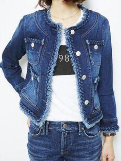 Denim on Denim The Timeless Trend - Jeans Jacket - Ideas of Jeans Jacket - Denim on Denim The Timeless Trend Diy Jeans, Chanel Style Jacket, Diy Vetement, Beauty And Fashion, Denim Ideas, Denim Coat, Jacket Jeans, Embellished Jeans, Refashioning