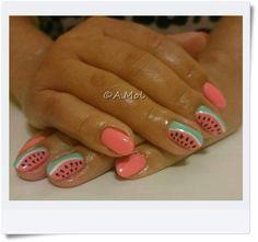 Manicure hybrydowy - arbuziki