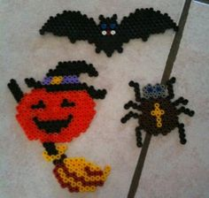 Halloween hama beads by Bricolage Halloween, Halloween Beads, Halloween Crafts, Fuse Bead Patterns, Perler Patterns, Beading Patterns, Plastic Bead Crafts, Art Perle, Motifs Perler