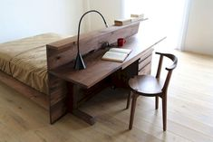 Awesome 80 Inspiring Home Office for Small Space https://idecorgram.com/917-80-inspiring-home-office-small-space