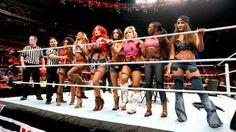 Raw 11/18/13: Divas Country Musical Chairs