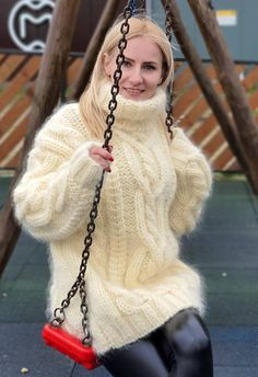 Thick Sweaters, Mohair Sweater, Girls Wear, Sweater Outfits, Turtle Neck, Wool, Knitting, Womens Fashion, How To Wear