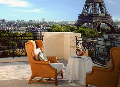 ça c'est mon place a Paris haha