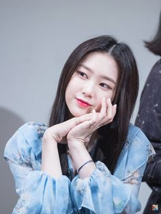 181111 Autograph session in Taipei Kpop Girl Groups, Korean Girl Groups, Kpop Girls, Beautiful Asian Girls, Beautiful Women, Oh My Girl Jiho, Korean Makeup Look, Girls Season, Every Girl