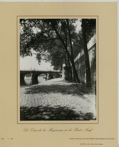 Le Quai de la Mégisserie et le Pont Neuf (vers 1900) Eugène Atget. Tirage argentique de la caisse nationale des monuments historiques et des sites en 1982.
