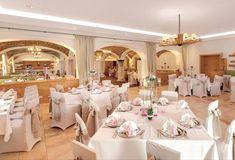 Werfen Sie jetzt einen Blick auf das Ganze Projekt. Restaurant, Table Settings, Fine Dining, Lighting, Place Settings, Restaurants, Dining Room