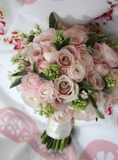 wedding flower bouquet, bridal bouquet, wedding flowers, add pic source on comment and we will update it. www.myfloweraffair.com can create this beautiful wedding flower look. Ranunculus, roses, lilac Rountree Flowers