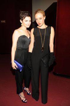 Ginnifer Goodwin et Chloe Sevigny, 2010 http://www.vogue.fr/mode/inspirations/diaporama/belles-en-smoking/4685/image/374632#ginnifer-goodwin-et-chloe-sevigny-2010