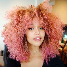 Pink hair is having a major moment and it looks absolutely amazing on natural hair. Here are pink hair colour tips for natural hair. Pink afro here you come! Dyed Natural Hair, Natural Hair Tips, Natural Hair Styles, Types Of Hair Color, Color Your Hair, Hair Colour, Ombre Blond, Ombre Hair, Dyed Hair Pastel
