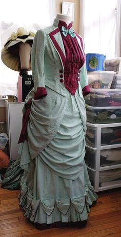Raspberry Mint Sorbet Bustle Dress Part the Second, aka Adventures in Bodice-ing – The Modern Mantua-Maker 1880s Fashion, Edwardian Fashion, Vintage Fashion, Gothic Fashion, Steampunk Fashion, Victorian Era Dresses, Victorian Costume, Victorian Gothic, Gothic Lolita