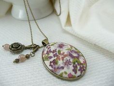 Pink and mauve floral fabric pendant - Necklace with beads chain