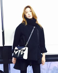 Korean fashion model Lee ho jung with Chouette Leather Tote Bag by Korean Celebrities, Korean Fashion, Fashion Models, Leo, Celebrity Style, Tote Bag, Sweatshirts, Sweaters, Leather
