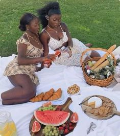 Black Girl Aesthetic, Summer Aesthetic, Nature Aesthetic, Black Girl Magic, Black Girls, Foto Best Friend, Photographie Indie, Picnic Outfits, Shotting Photo
