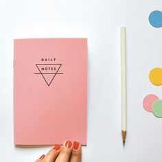 Image of DAILY NOTES, petit carnet rose by oelwein