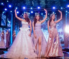 Manushi chillar in between at Miss India 2018 finalle Miss India, Glamorous Dresses, Pageant Gowns, Cute Beauty, Miss World, Indian Attire, Beauty Pageant, Beauty Queens, Most Beautiful Women