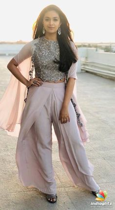 Keerthy Suresh Beautiful HD Photoshoot Stills & Mobile Wallpapers HD Party Wear Indian Dresses, Designer Party Wear Dresses, Indian Gowns Dresses, Dress Indian Style, Indian Fashion Dresses, Indian Wedding Outfits, Indian Designer Outfits, Indian Outfits, Indian Fashion Modern