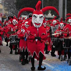 Portraits, Masquerade, Pagan, Puppets, Switzerland, Illustrators, Behind The Scenes, Poster, Costumes