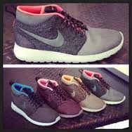 Girls wearing sneakers. Nike Roshe Run. #sneakers